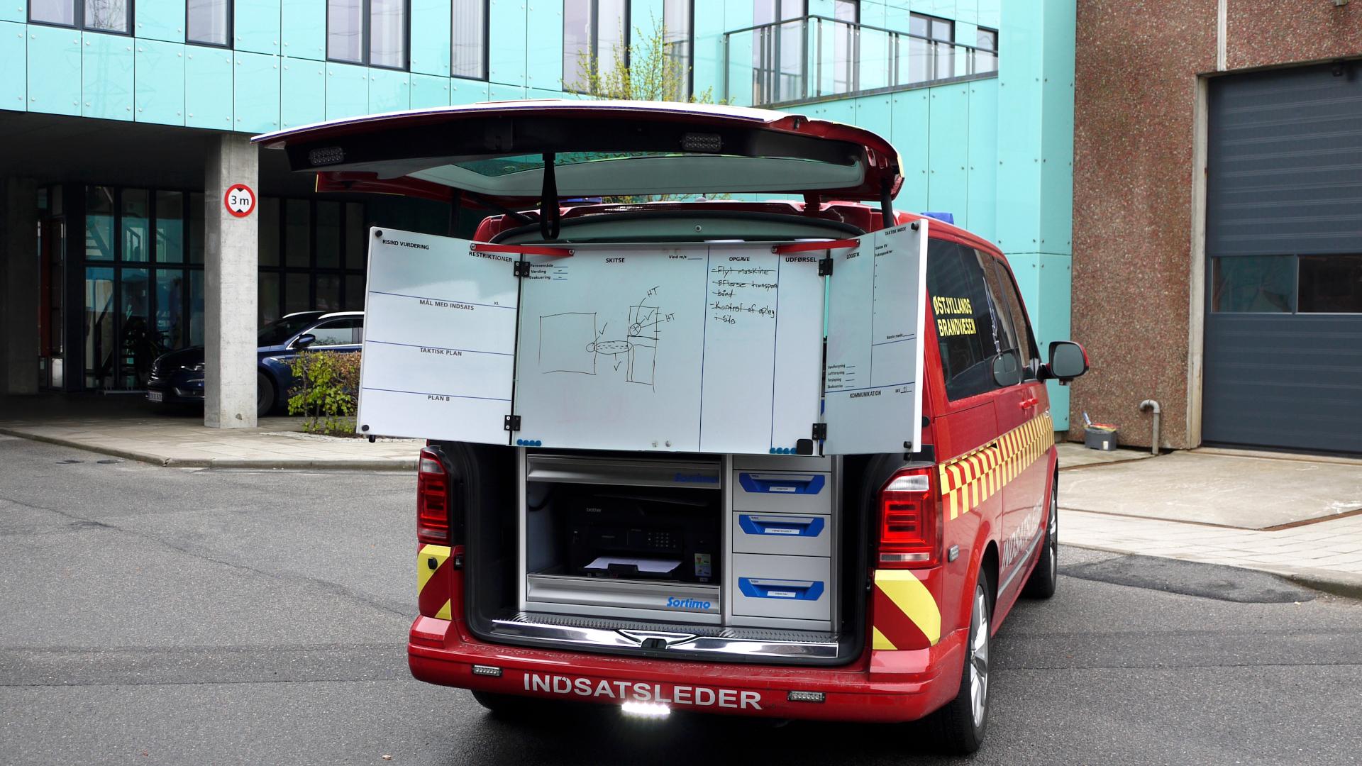 Indsatslederbil med whiteboard